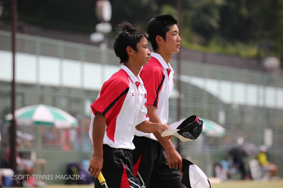 8月の岡山インハイ個人戦で16強まで進んだ東北の北野(左)/鈴木ペア