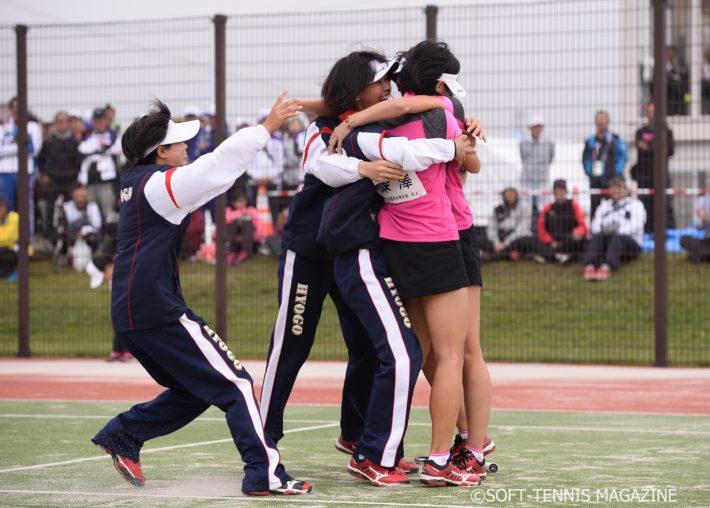 3番勝負で深澤/泉谷が勝利し、兵庫は4年ぶりの国体優勝を果たした