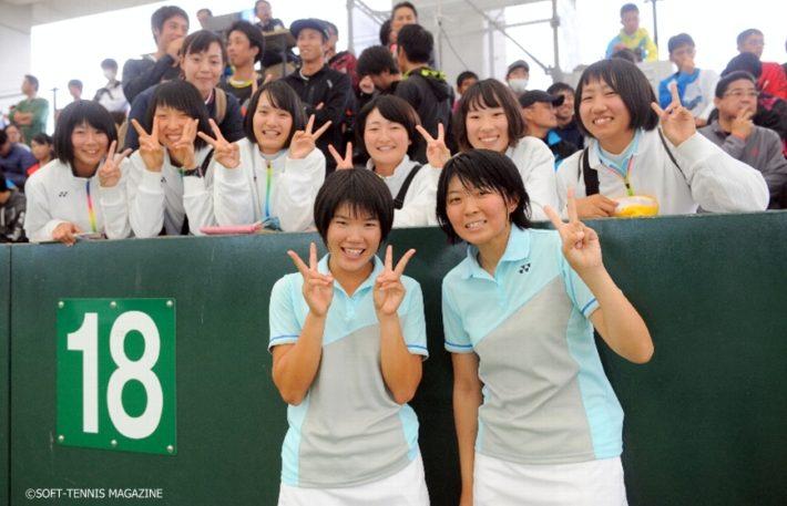 志牟田の全日本シングルス3位やインカレ大学対抗3位、志牟田/地中のインカレダブルス初Vなど今季の活躍がめざましかった神戸松蔭女子学院大。志牟田/地中の全日本インドアはいかに