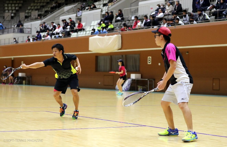 京都市役所の早川(左)/向井が地元京冬カップで初優勝。大会ではスタッフとしても尽力した