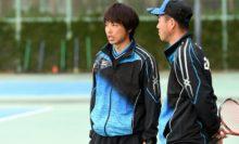 男子新トレーナーの田中京介トレーナー(左、せんだメディカルクリニック)と中堀監督