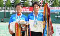 2011年のインターハイで個人優勝の船水雄太(左)/九島一馬(右)