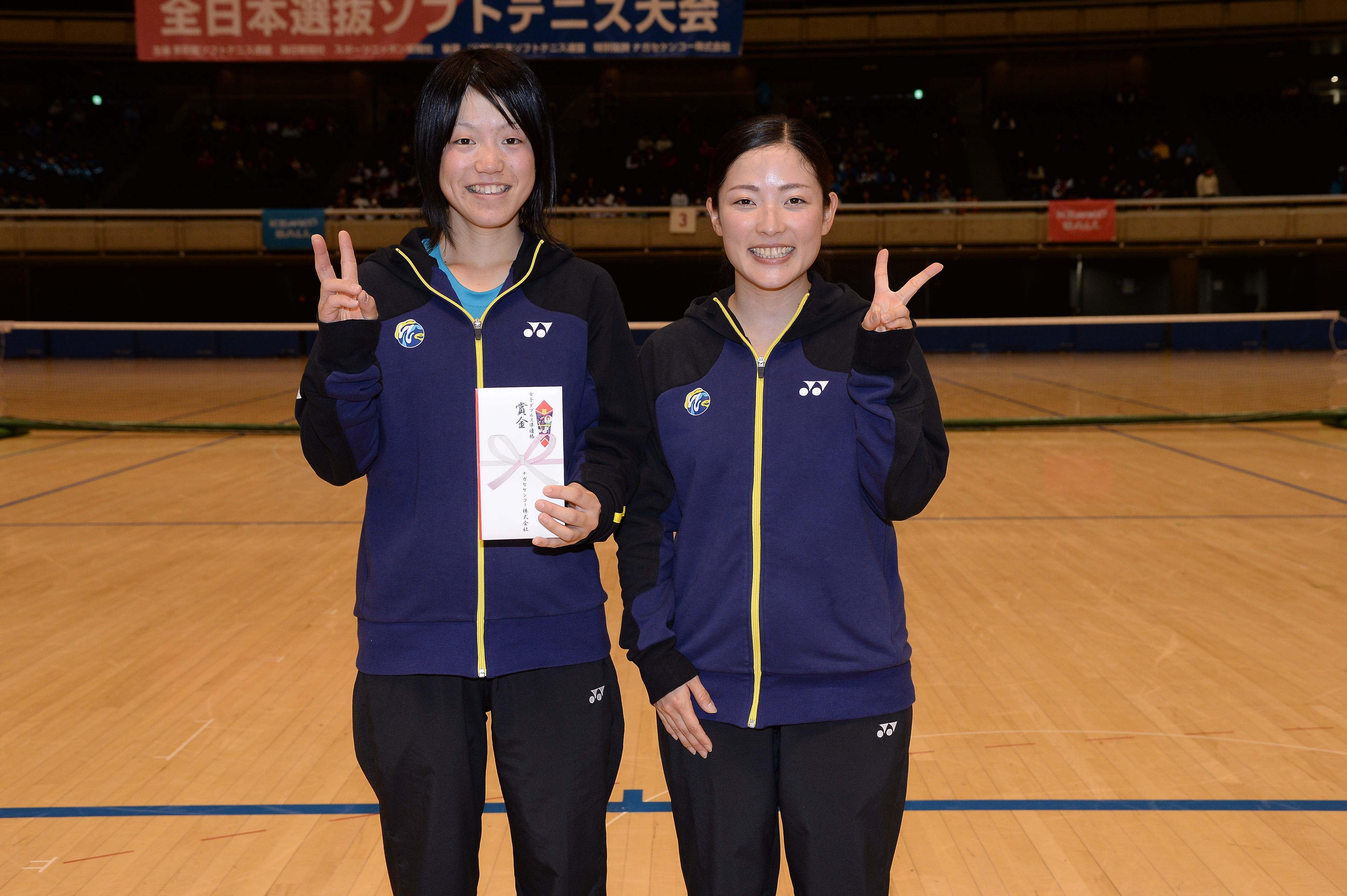 第62回全日本女子選抜・ダブルス2位の越智真琴/石井友梨(ワタキューセイモア)