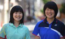 ヨネックス1年目のフレッシュな後衛&前衛。貝瀬ほのか(左)、吉田栞里(右)