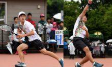 ハイジャパダブルス優勝を果たした上宮・上岡俊介(左)/広岡宙。広岡はシングルスとの二冠!