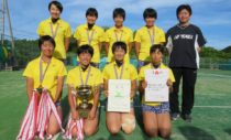 女子優勝の和歌山信愛。24年連続58回目の出場