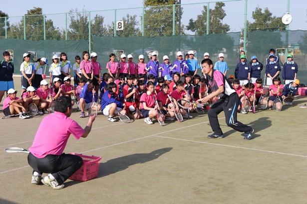 講習会で中学生に教える経験も多い小林選手