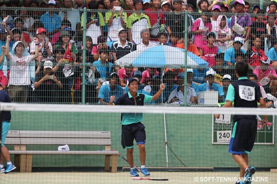 2015年のインターハイ個人決勝の死闘を制した直後の内本 PHOTO/HIROKUNI KAWAGUCHI