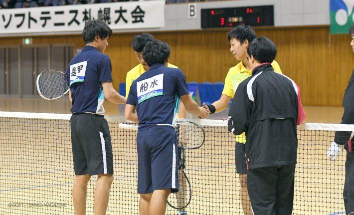 男子は予選リーグからスター選手たちが激突! インハイ王者の本倉/上松(岡山理大附高)は早稲田大・船水/星野に対しゲームの入りから一気にペースをつかんで勝利を収めた