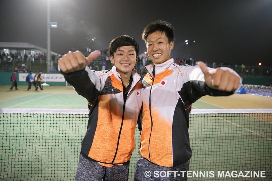 船水颯人(早稲田大)上松俊貴(岡山理大附高) アジア選手権ダブルスで植松と組み、金メダル。上松は、高校生初の国際大会金メダリストに。
